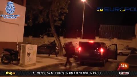 Detenido en Málaga un hombre acusado de financiar a su exesposa para que se uniera al Estado Islámico en Siria