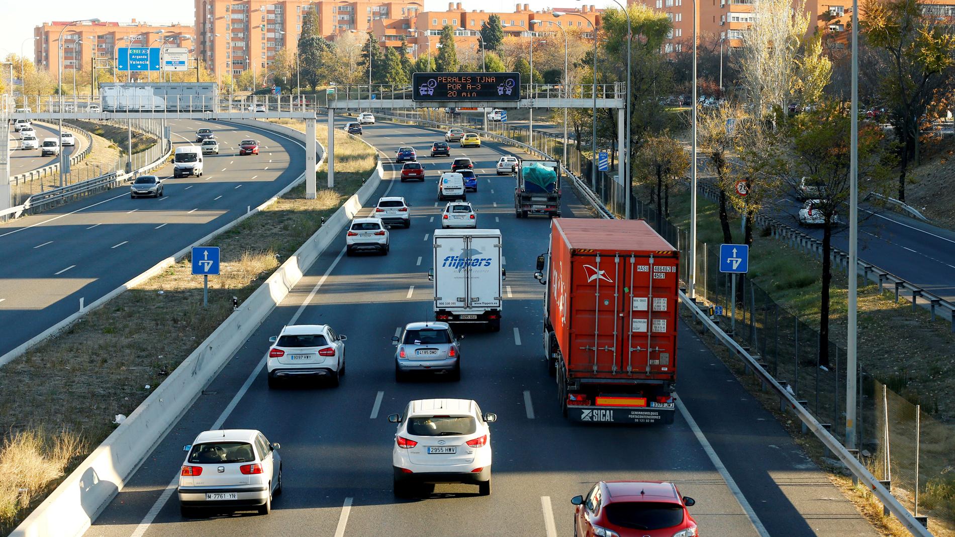 La DGT adquiere 60 'veloláser' para estrechar el control de la velocidad en las carreteras convencionales