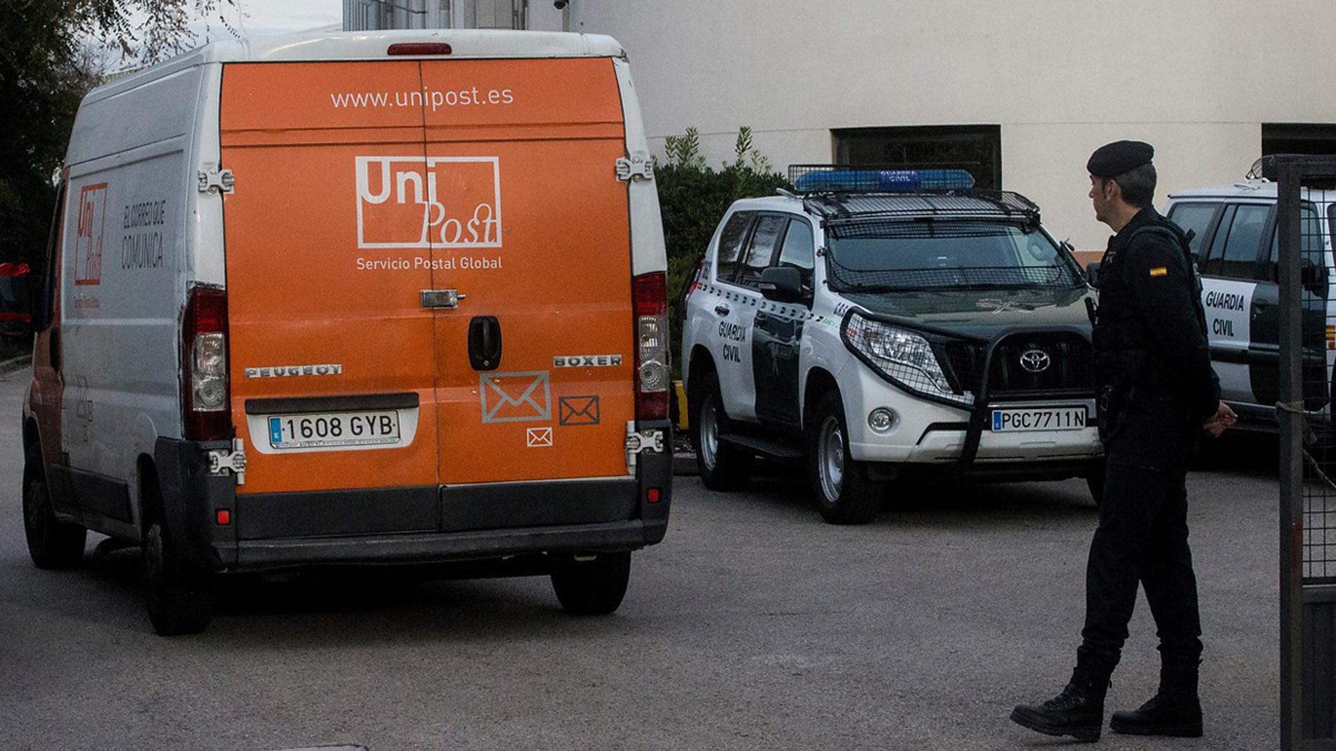 El director de Unipost queda en libertad tras el registro de la empresa por la Guardia Civil por el 1-O