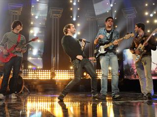 Destino Eurovisión - Semifinal: Actuación de Don Johnsons