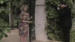 La duquesa de Alba posa en el Palacio de Dueñas (1989)