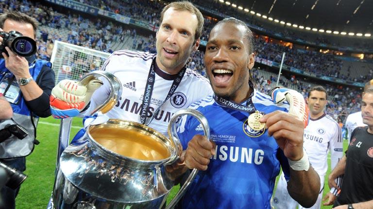Drogba y Cech, héroes de la Champions del Chelsea