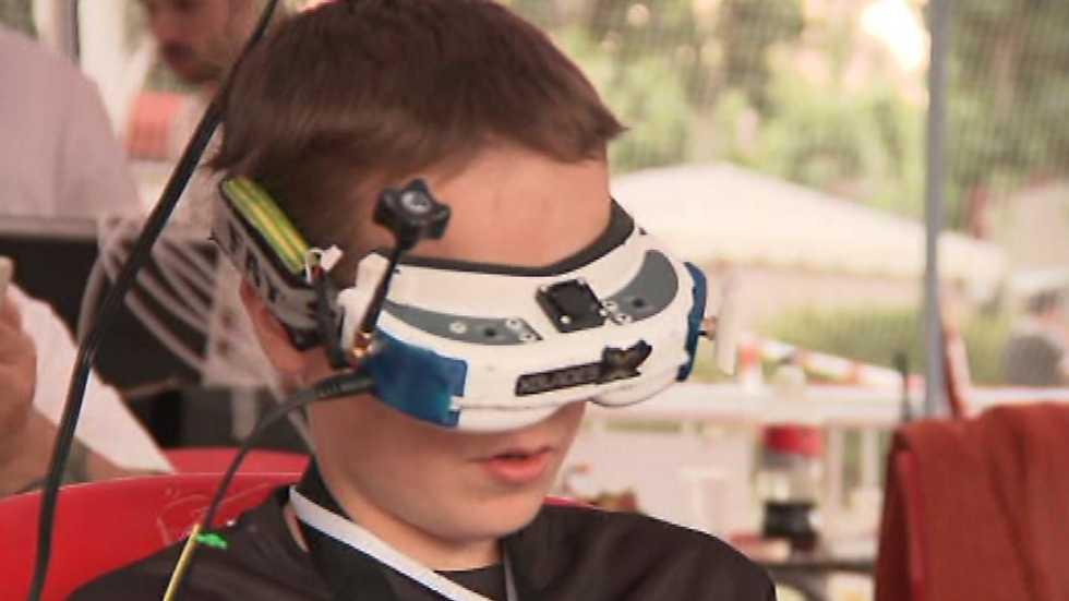 """Zoom Net - Drones en El Escorial, Andro4All, Festival SinSal y """"Deus Ex: Mankind Divided"""""""