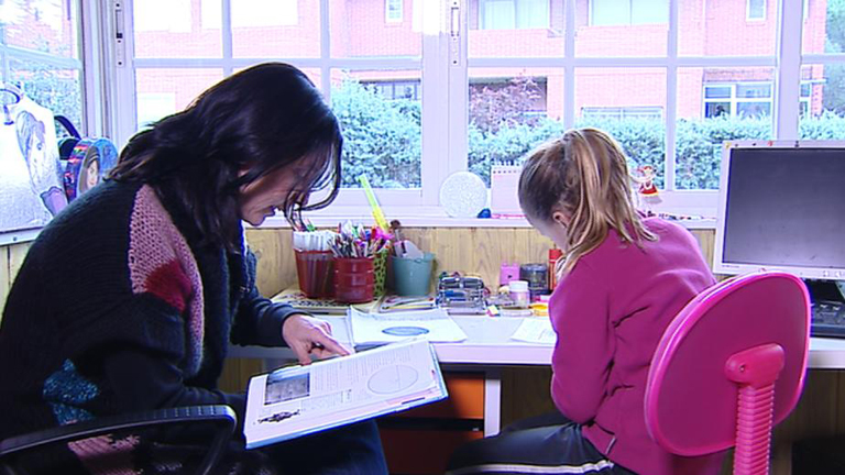 Debate sobre el modelo de educar en casa