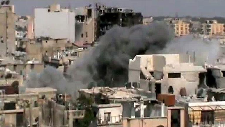 El Ejército sirio recupera zonas conquistadas por los rebeldes con bombardeos indiscriminados