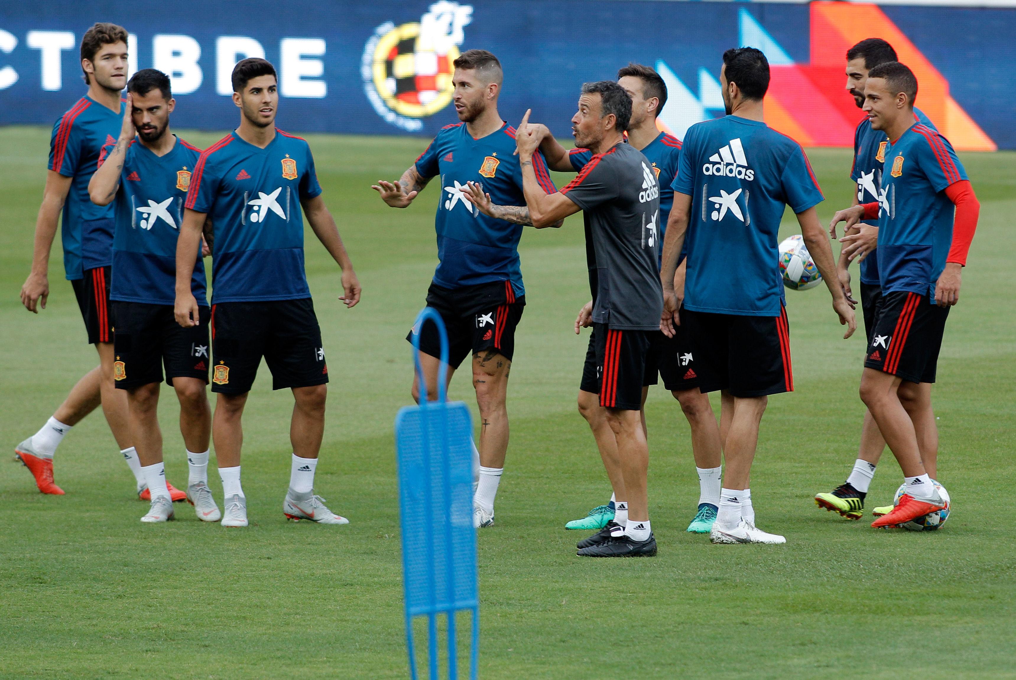 Elche se vuelca con la selección española