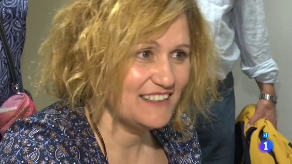 Comando Actualidad - Un antes y un después - Elena oye por primera vez la voz de su madre a los 40 años