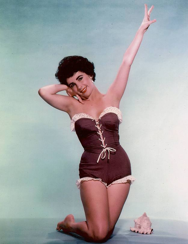 Elizabeth Taylor protagoniza una imagen publicitaria sin fechar. La actriz ha fallecido a los 79 años de edad en el hospital de Los Ángeles por insuficiencia cardiaca.