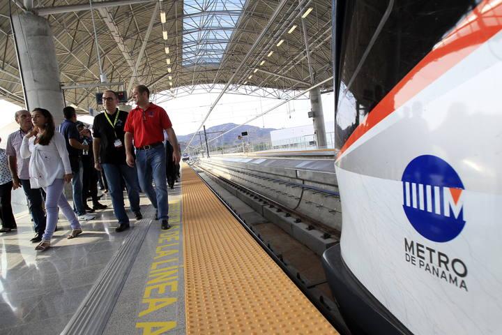 Finaliza en tiempo r cord la construcci n del metro de Empresas de construccion en barcelona