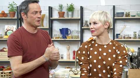Torres en la cocina - Ensalada de langostinos y buñuelos de cebada