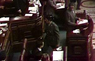 Ver vídeo  'La entrada de Tejero en el Congreso el 23-F'