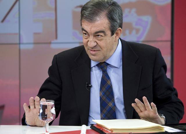 Álvarez-Cascos no aclara si se presentará como alternativa en Asturias