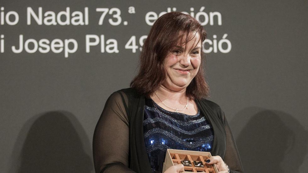 Entrevista a  la ganadora de la 73 edición del premio Nadal de novela, Care Santos
