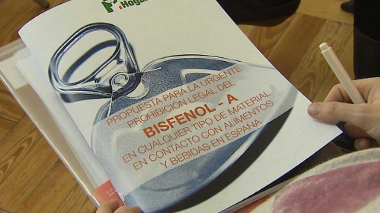 Científicos alertan sobre el compuesto químico Bisfenol A presente en botellas de plástico