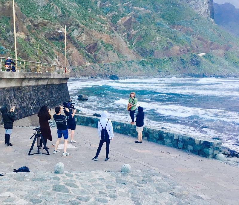 El equipo de Manel Navarro buscando el sol de Tenrife para el videoclip de