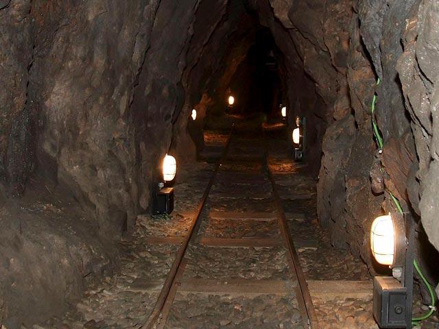 Reporteros del telediario - Un equipo de TVE se mete en una mina de 500 metros de profundidad