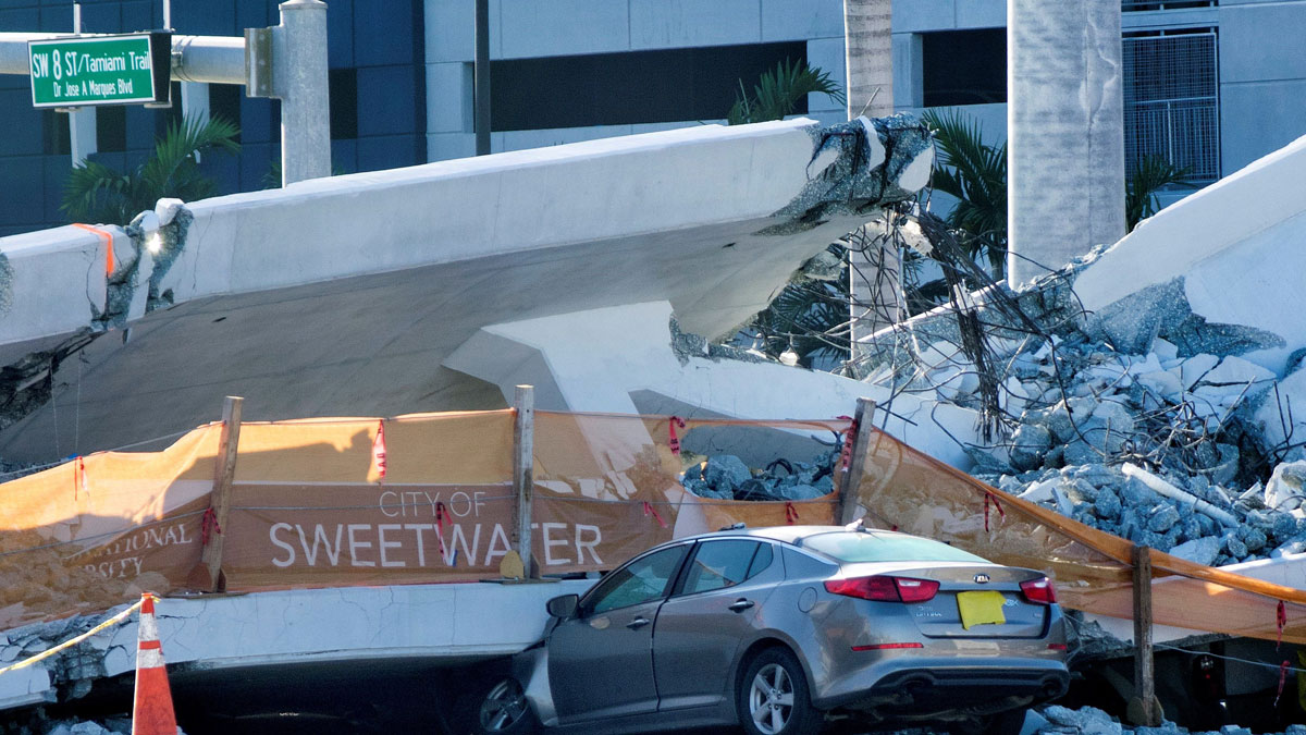 Los equipos de rescate se centran en recuperar los cuerpos bajo el puente de Miami