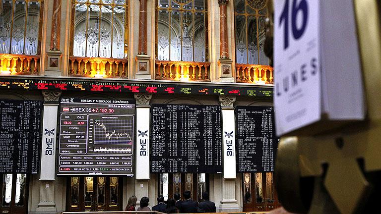 España espera captar esta semana 5.500 millones de euros entre grandes presiones de los mercados