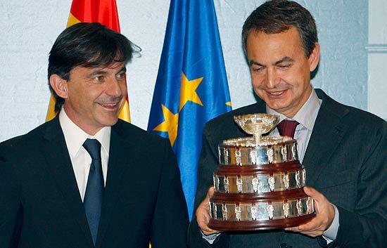 Zapatero Promete Un Ministerio De Deportes Ante Los