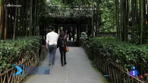 Españoles en el mundo - Templo Du Fu