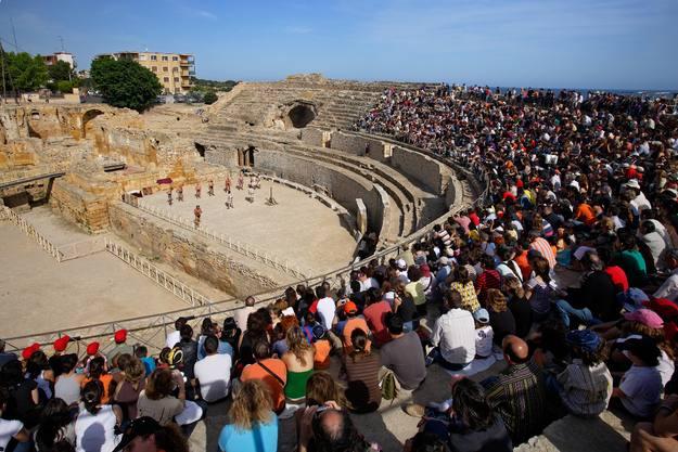 Espectáculo de gladiadores en el antiguo circo romano de Tarragona