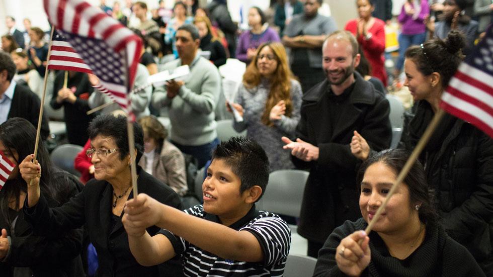 La reforma de Obama devuelve la esperanza a millones de inmigrantes irregulares