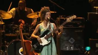 Miradas 2 - Esperanza Spalding