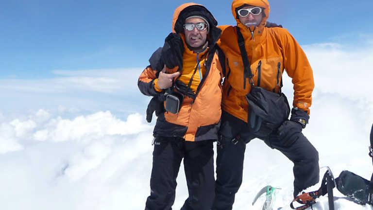 Al filo de lo imposible - Esquí de travesia y escalada en Georgia