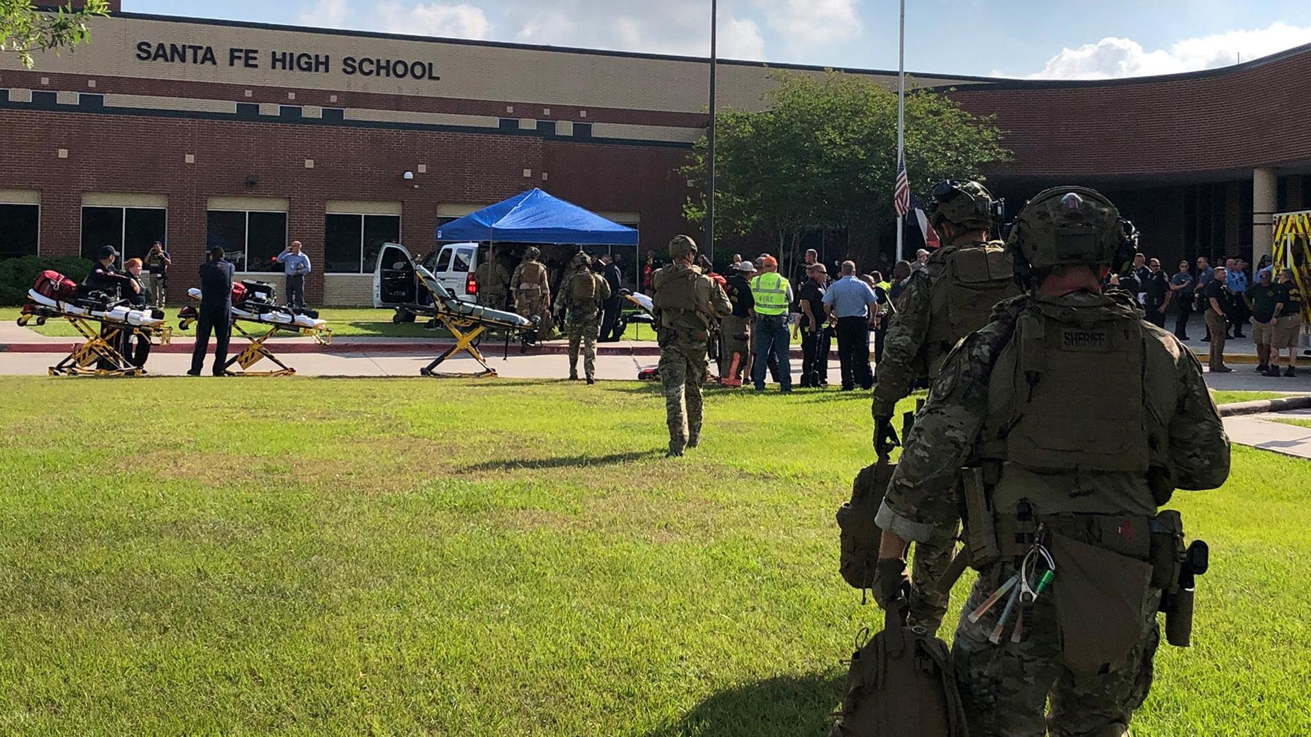 Un estudiante mata a una decena de personas en un instituto de Texas