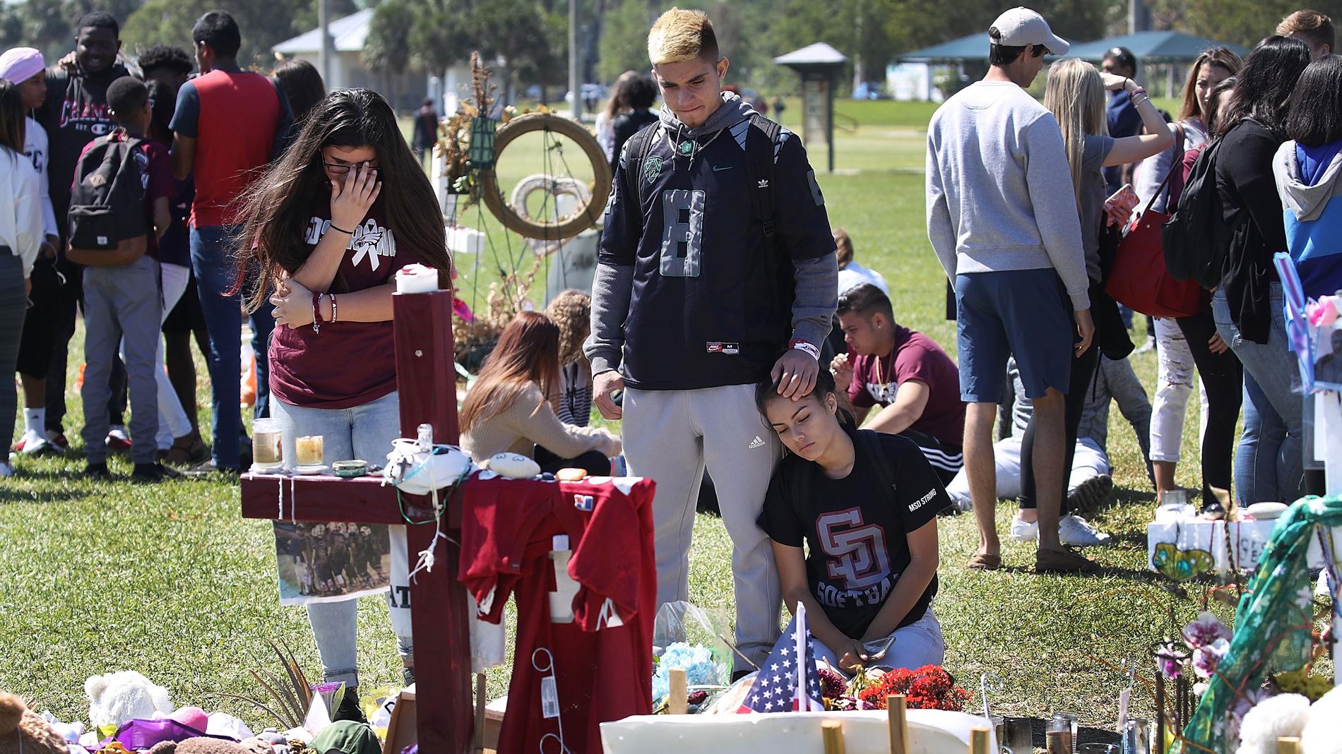 Miles de estudiantes marchan por el endurecimiento del control de armas en Estados Unidos