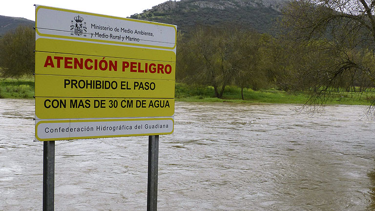 Evacúan a más de 600 personas en un pueblo de Badajoz por riesgo inundaciones