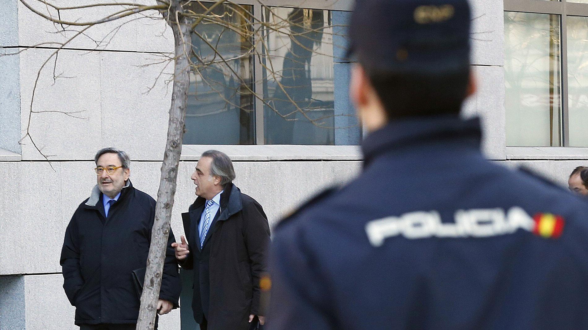 La excúpula de Catalunya Caixa declara ante el juez que el Banco de España conocía las operaciones