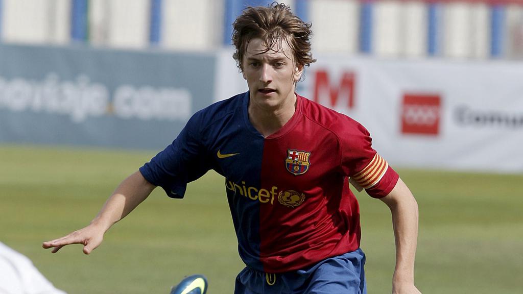 El exinternacional juvenil español Balliu juega con Albania