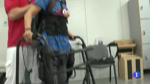 Exoesqueletos para que las personas con dificultades de movilidad puedan incorporarse de nuevo