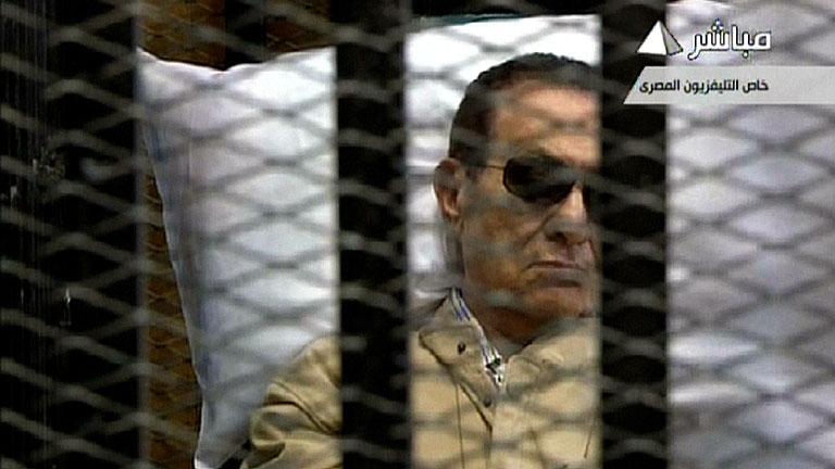 El expresidente Mubarak es condenado a cadena perpetua por la muerte de manifestantes