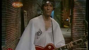 """Extremoduro canta """"Jesucristo García"""" en 'Plastic' en 1990"""