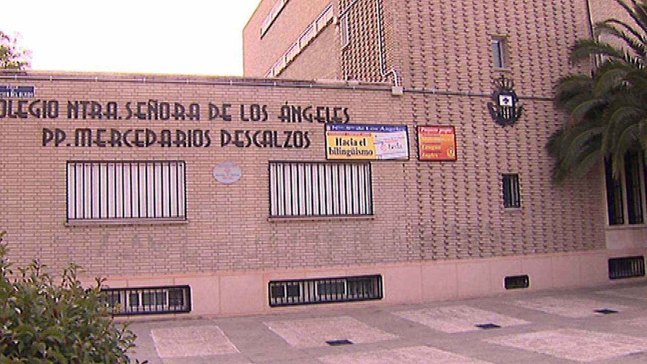 Fachada del colegio al que acudía el menor de 11 años que se suicidó en Leganés