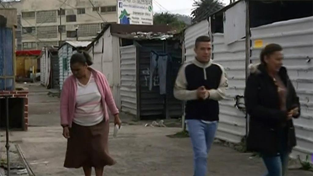 Familias afectadas por el terremoto de 1985 en México siguen esperando una vivienda