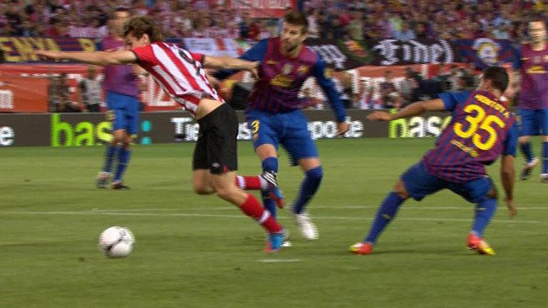Fernández Borbalán no pita un penalti para el Athletic