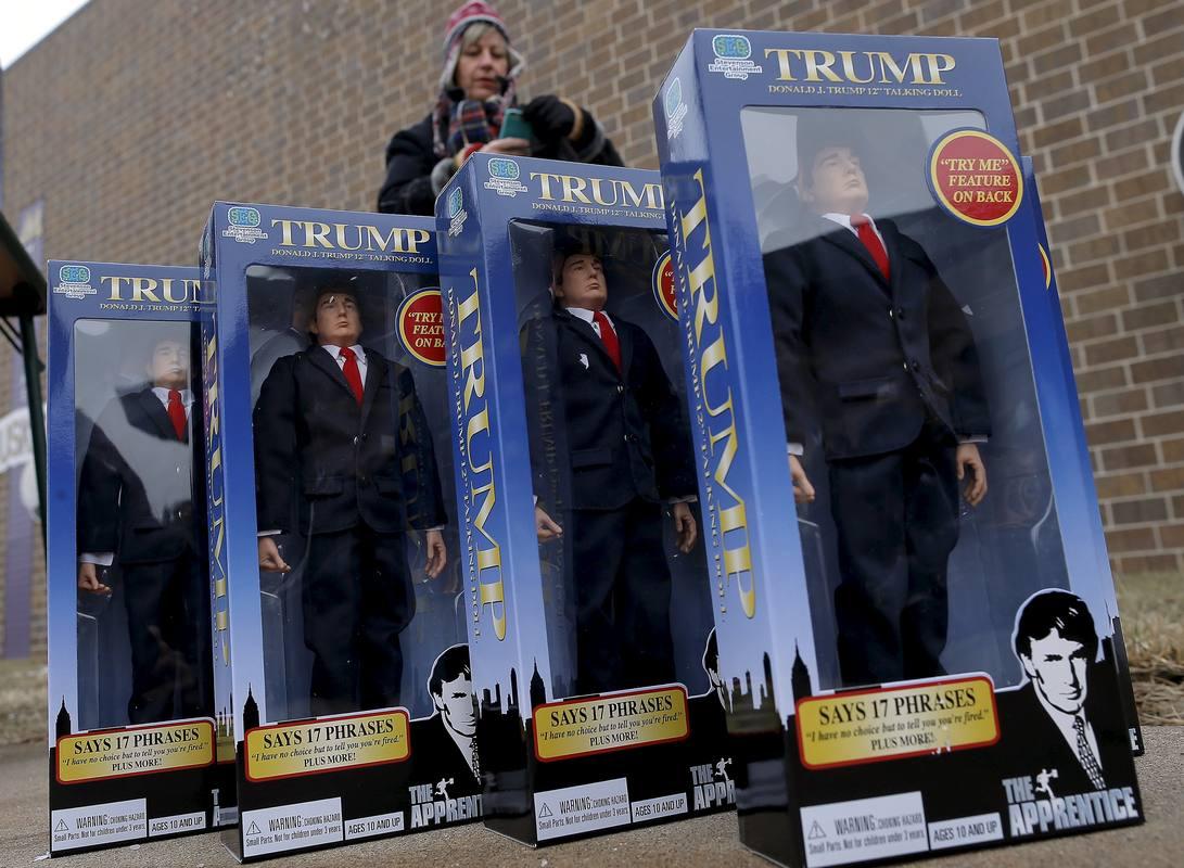 Figuras de juguete de Trump como presentador de 'El aprendiz'