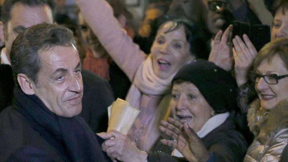 Sarkozy consigue la presidencia de la UMP con el apoyo del 64,5 % de los afiliados que votaban