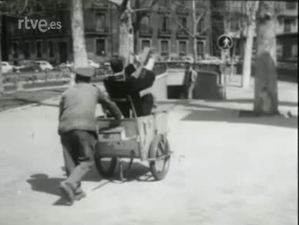 Forges en el programa 'Portavoz' dedicado al humor (1976)