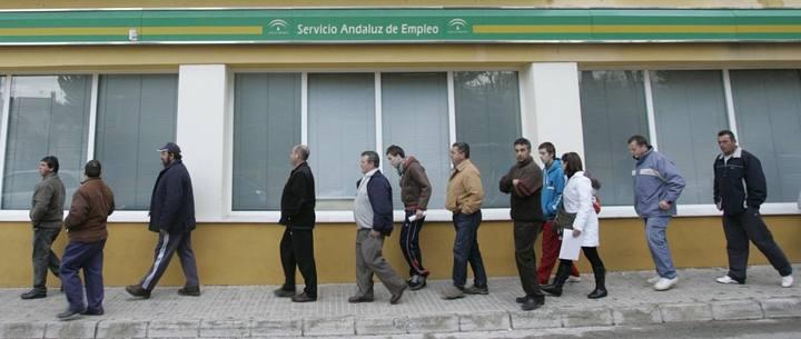 La cobertura de los parados cae al 55 en marzo y el gasto en prestaciones baja un 18 - Oficina del servicio andaluz de empleo ...