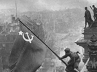 Yevgeni Khaldei, el fotógrafo soviético de la Segunda Guerra Mundial