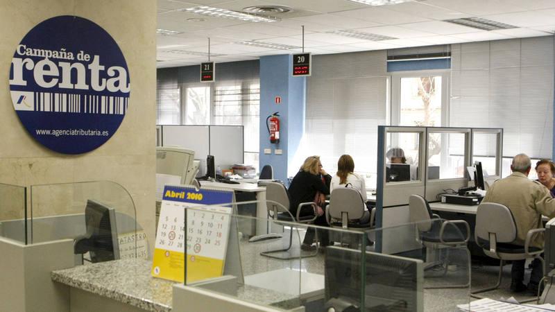 La fiscal a pide cuatro a os de c rcel para el espa ol que for Oficina tributaria