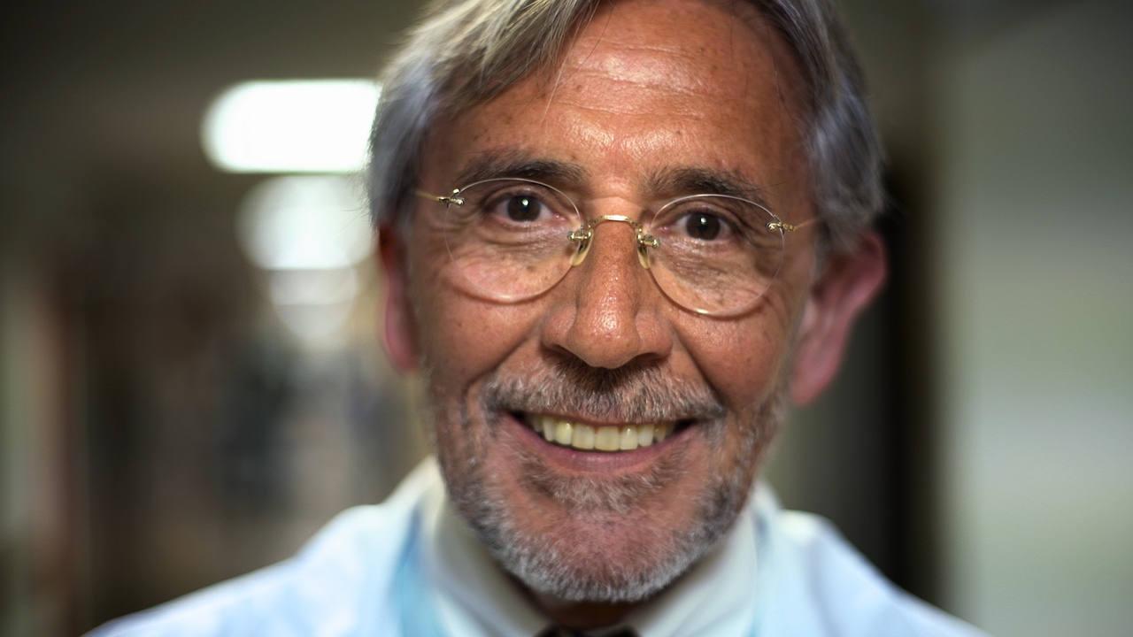 Francisco Fernandez-Avilés:  Catedrático de Medicina de la Universidad Complutense de Madrid, Jefe de Servicio de Cardiología del Hospital General Universitario Gregorio Marañón de Madrid.