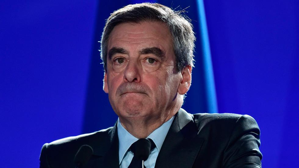 """François Fillon: """"No hay otra elección que votar contra la extrema derecha, votaré a favor de Emmanuel Macron"""""""