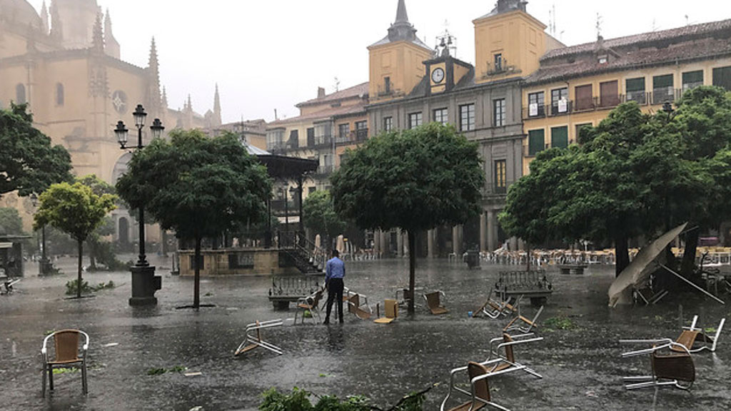 Fuertes tormentas en el sureste, el golfo de Vizcaya y Galicia