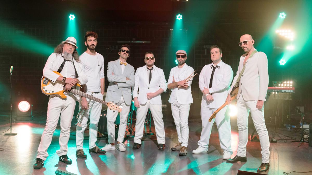 Cachitos de Hierro y Cromo - Fundación Tony Manero - Can't Nobody Love Me Like You Do / Dance usted