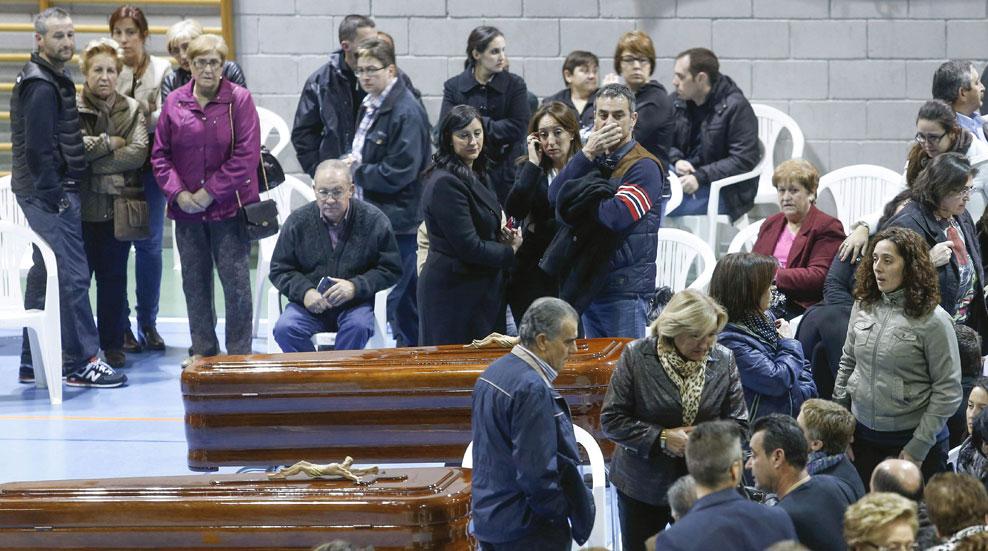 Los reyes presiden el funeral por los 14 fallecidos en un accidente de autobús en Murcia